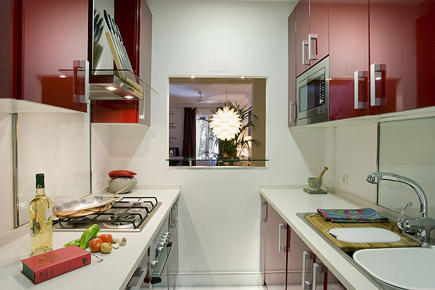 Cocinas abiertas o cerradas alicia mesa dise adora for Cocinas abiertas al pasillo
