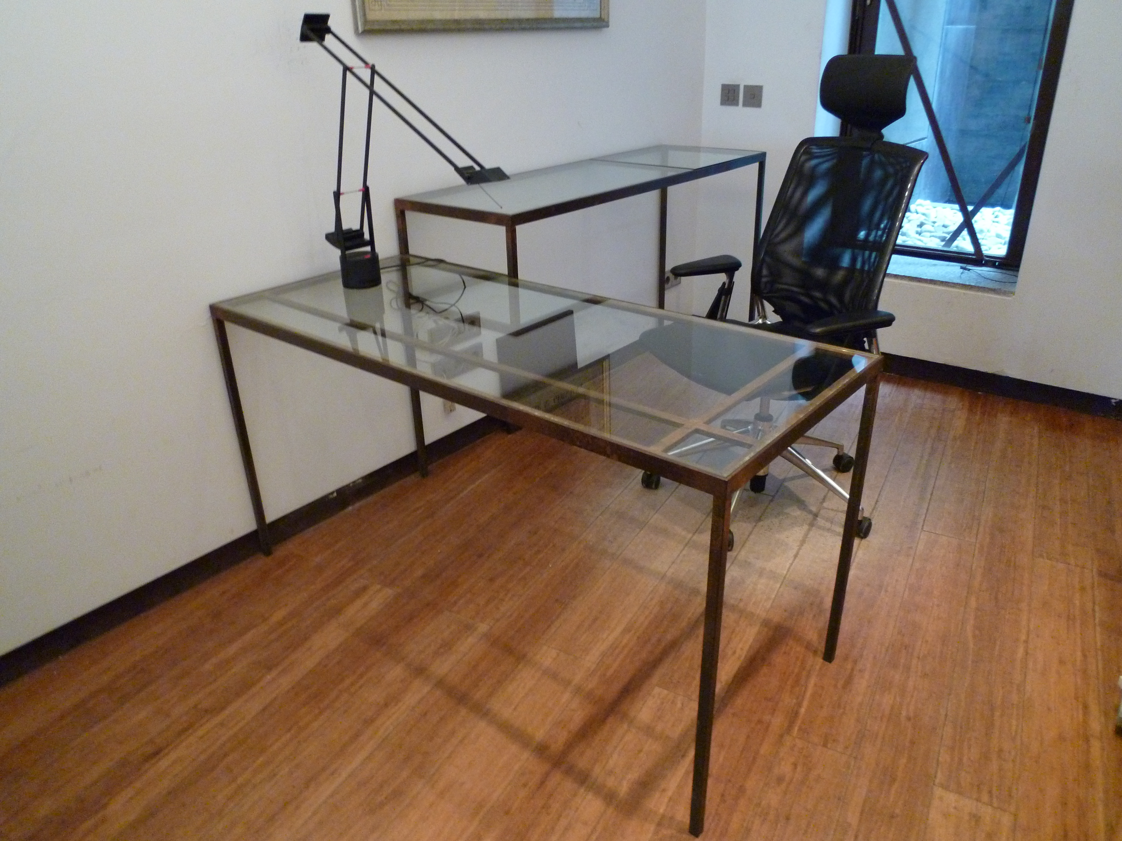 Mi mobiliario ii el blog de alicia mesa - Mesas de despacho de cristal ...